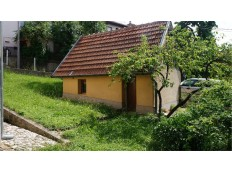 Kuća sa baštom na Vracama pogodna za odmor