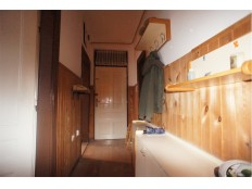dvosoban komforan stan sa garažom, Stolačka